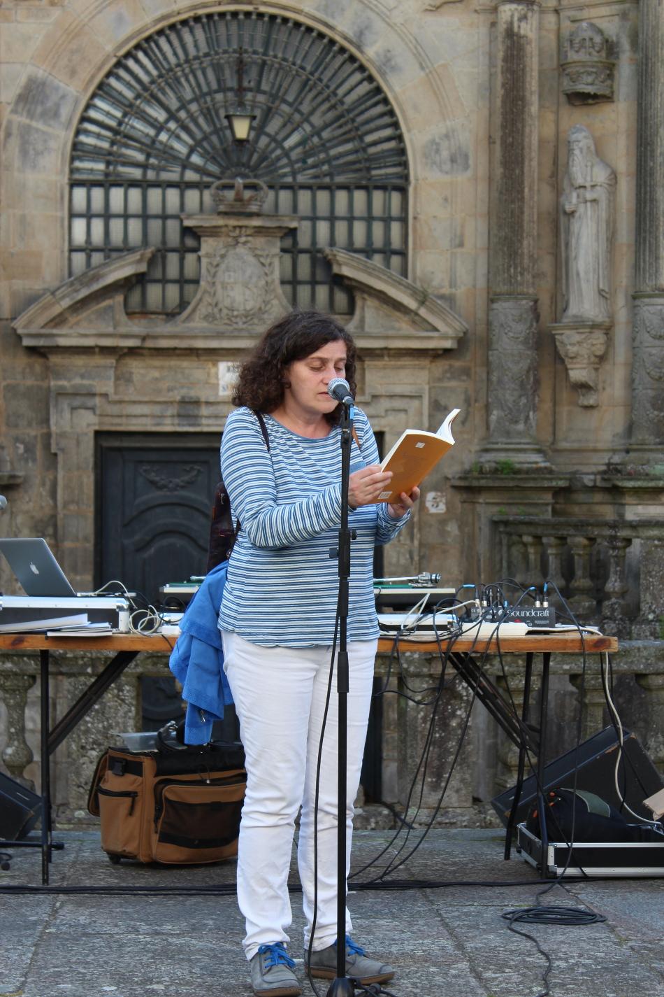Paseo-recital de homenaxe a Manuel María no Día das Letras Galegas